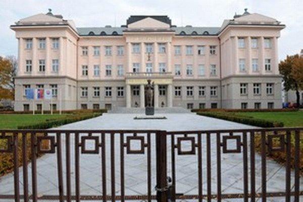Podľa honosného sídla v Martine by sa mohlo zdať, že Matica slovenská prosperuje.