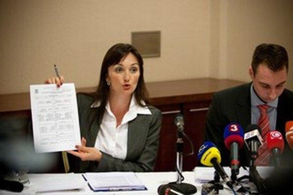 Soňa Pőtheová pracovala pre bývalého predsedu parlamentu Pavla Pašku, aj pre spoločnosť Henbury Development.