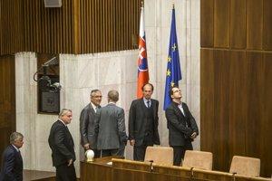 Poslanci volili nového šéfa NKÚ.