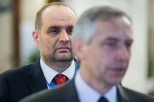SDKÚ PAvla Freša (vzadu) už voličov zaujíma minimálne.