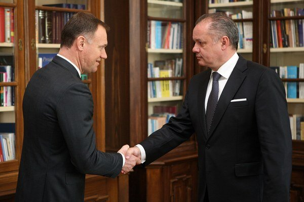Prezident Andrej Kiska si v pondelok pozval na rozhovor ministra zdravotníctva Viliama Čisláka.