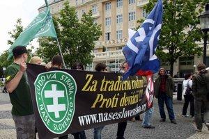 Najviac a najorganizovanejších stúpencov má na Slovensku pravicový extrémizmus.