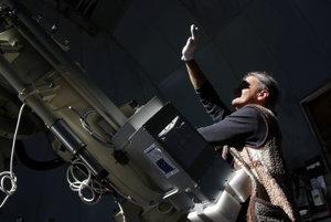 Slneční vedci na Lomnickom štíte - technik Peter Habaj