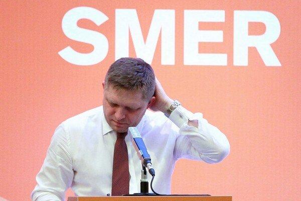 Na letnom pracovnom sneme po porážke v prezidentských voľbách Robert Fico kritizoval nižšie štruktúry Smeru.
