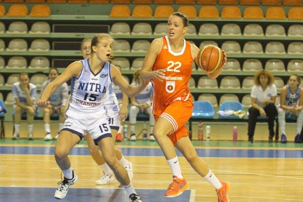 Hru Nitry dirigovala mladá rozohrávačka Nikola Kováčiková (15).
