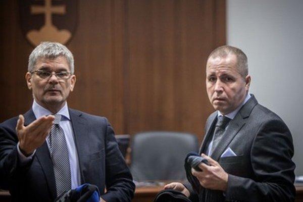 Martin Novotný (vpravo) dostal za korupčnú kauzu Osrblie podmienečný trest.