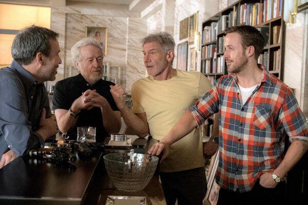 Harrison Ford si s Ryanom Goslingom aj v pokračovaní.