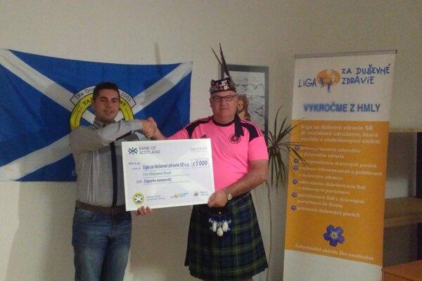 Škótski fanúšikovia darovali sumu na dobrú vec.