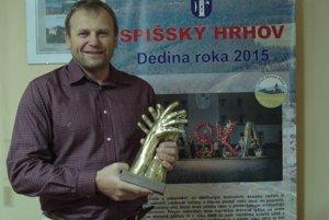 Starosta Vladimír Ledecký s udelenou cenou.