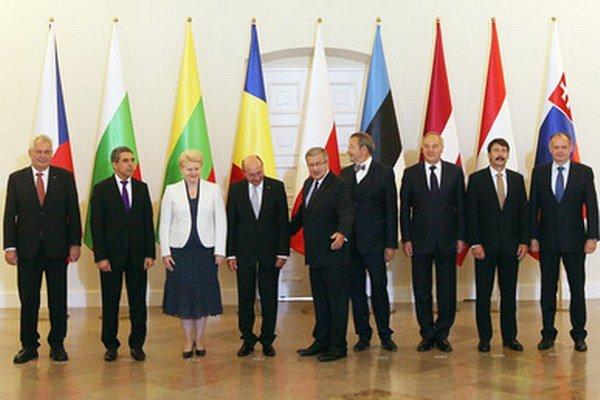 Prezidenti vo Varšave.