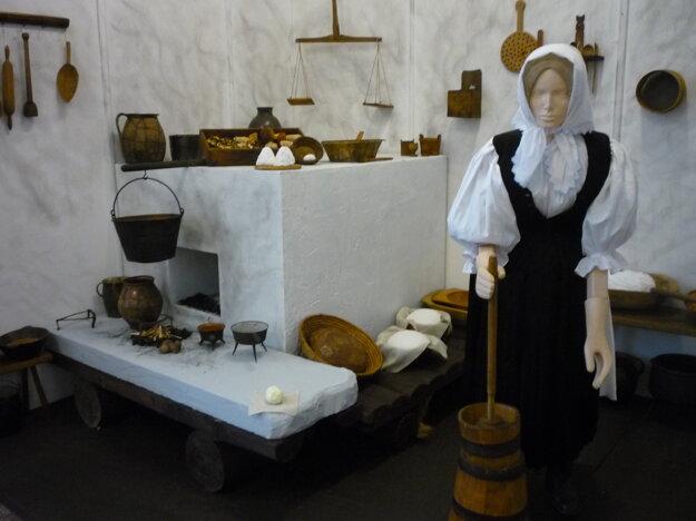 Výstava otradičnej strave nevynechala ani zariadenie veľkorovnianskej kuchyne.