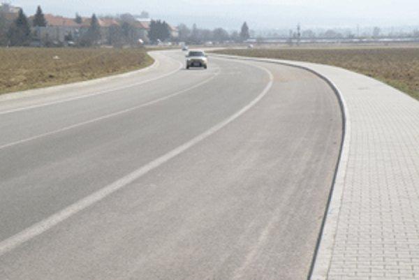 Z celého obchvatu Prievidze je doteraz vybudovaná len cesta od priemyselného parku ku kruhovému objazdu na Opatovskej ceste.