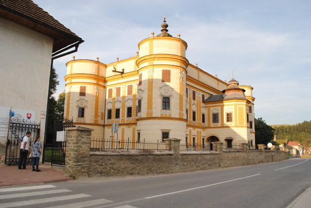 Kaštieľ v Markušovciach. Predstavuje rodinné sídlo rodiny Máriássy.