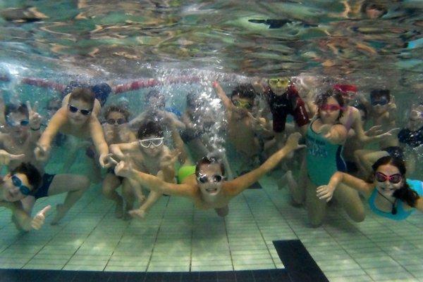 Plavecké oddiely PoRu a Neptún združujú spolu asi 150 detí.