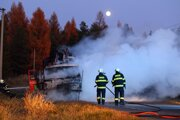 Večerný hasičský zásah. (ilustračné foto)