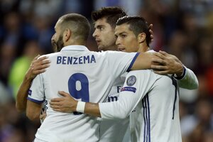 Karim Benzema, Alváro Morata a Cristiano Ronaldo sa tešia z gólu.