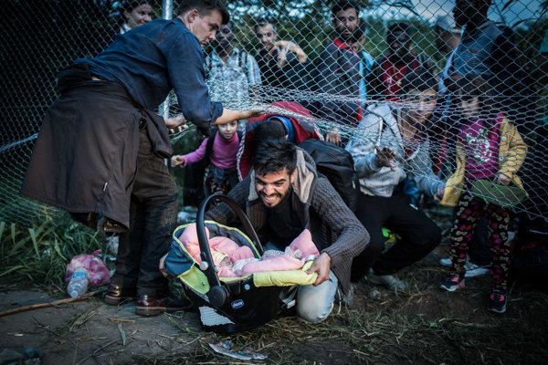 Séria reportéra denníka SME Keď Maďari zatvorili hranice vyhrala cenu za druhé miesto v kategórii Reportáž.