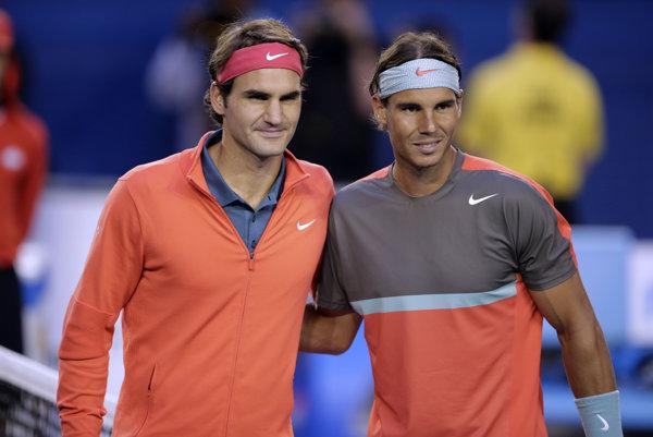 Roger Federer (vľavo) s Rafaelom Nadalom.