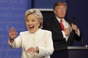 Hillary Clintonová podľa prieskumu vyhrala aj tretiu debatu.