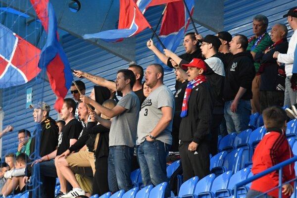 Senickí fanúšikovia v súčasnosti z futbalu v meste veľa radosti nemajú.