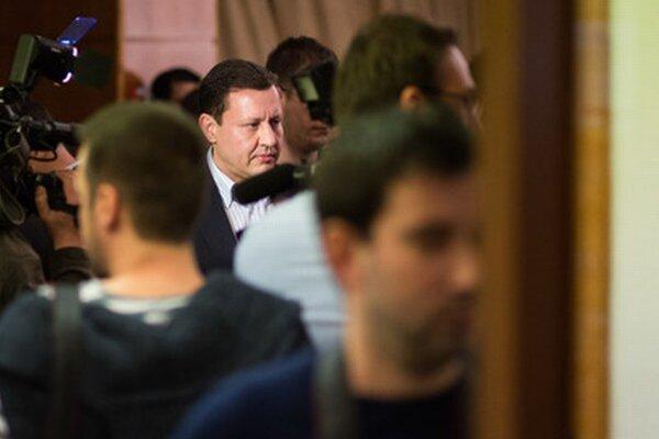 Daniel Lipšic čakal na výsledky v centrále Andreja Kisku.