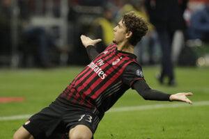 Manuel Locatelli v drese AC Miláno.