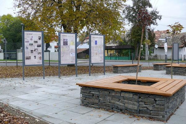 Bahýľov park je pri Galérii Jána Kulicha.