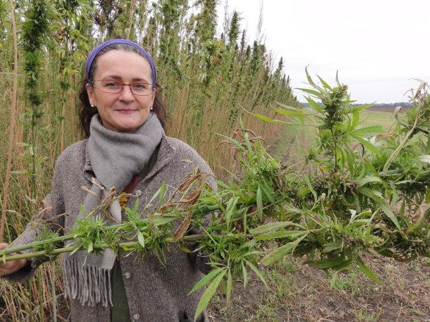 Eleonóra Čalkovská pestuje konopu prvý rok.