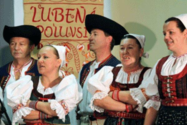 Folklórna skupina Lubená z Poluvsia.