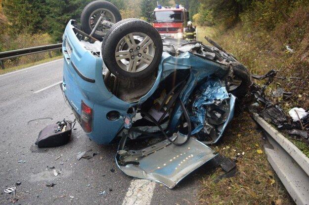 Vodička Subaru utrpela zranenia, ktorým podľahla.