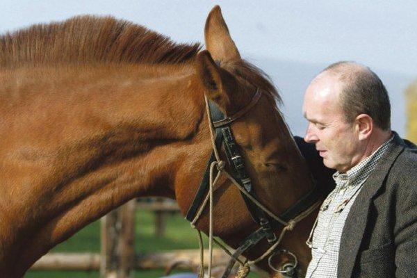 Slavomír Magál sa na verejnosti prezentuje najmä ako hoteliér a chovateľ koní.