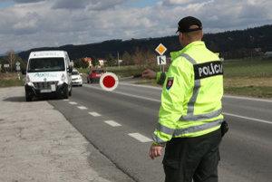 Vodiča zastavili pri policajnej kontrole.