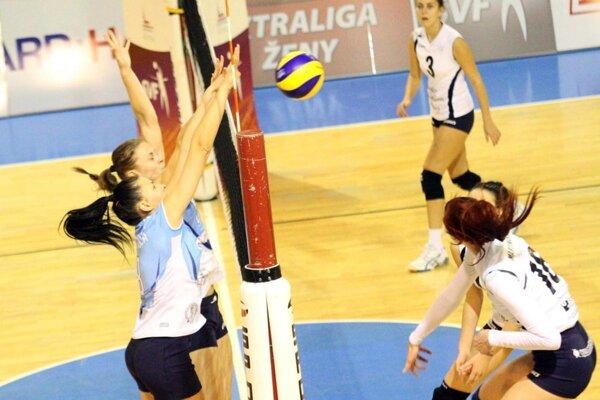 UKF Nitra dohrali jednoznačný zápas s dievčatami z lavičky