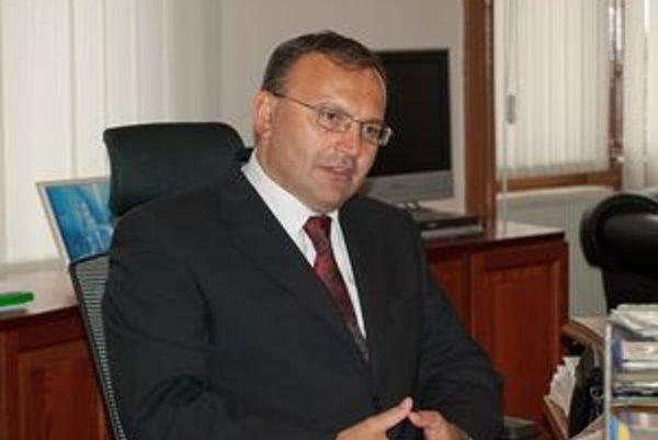 Primátor Topoľčian Peter Baláž.