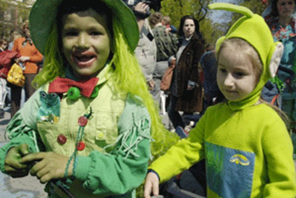 Deti budú mať v nedeľu 6. februára v Kultúrnom dome v Malej Lehôtke maškarný ples.
