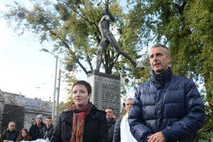 Primátor Raši zvestoval radostnú novinu verejnosti pri najznámejšom športovom symbole Košíc, soche Maratónca.