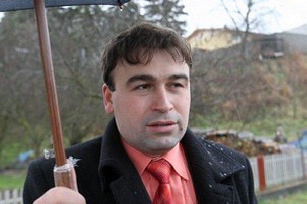 Primátor Vazan hovorí, že na Facebooku viedol súkromnú debatu.