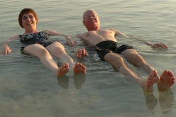 Ešte v 80. rokoch minulého storočia vznikol liečebný systém, ktorý imituje klimatické podmienky pri Mŕtvom mori, a tak napodobuje liečebné možnosti kombinácie prirodzeného slnečného kúpeľa a morskej vody.