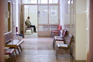 Plná čakáreň je aj lekárova vina, ak pacientom nedá termín.