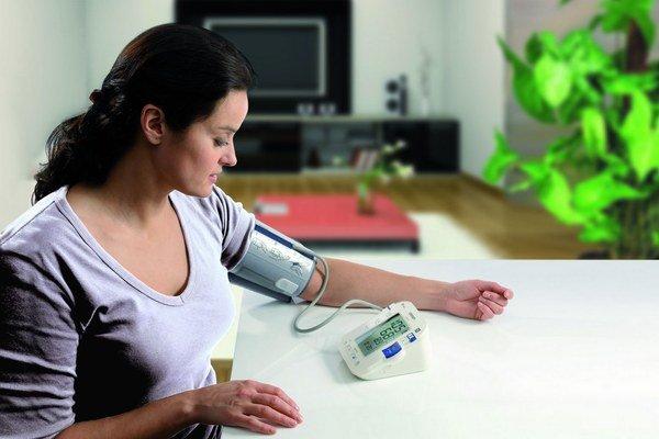 Namerali ste vysoké hodnoty krvného tlaku? Choďte radšej k lekárovi.