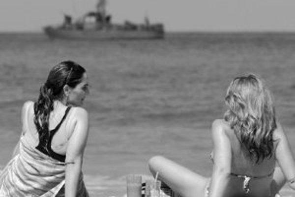 Ultrafialové slnečné lúče, ktoré môžu spôsobiť rakovinu kože, nás neohrozuje len v lete na pláži. Už na jar by sme si mali tvár, ruky a dekolt dostatočne chrániť. ILUSTRAČNÉ