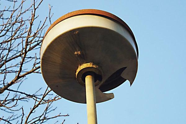lampa na sídlisku Stred.