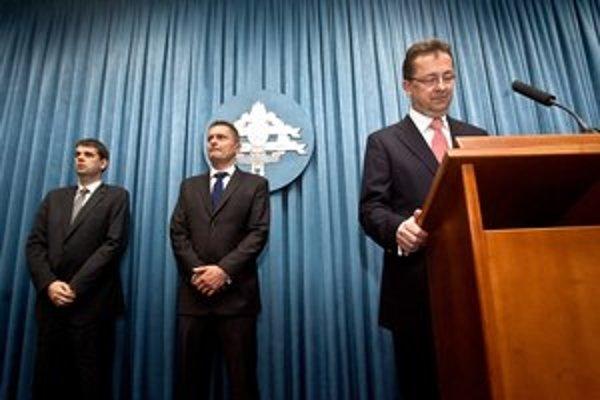 Tibenský (vľavo) vidí veci inak ako bývalý dôstojník.