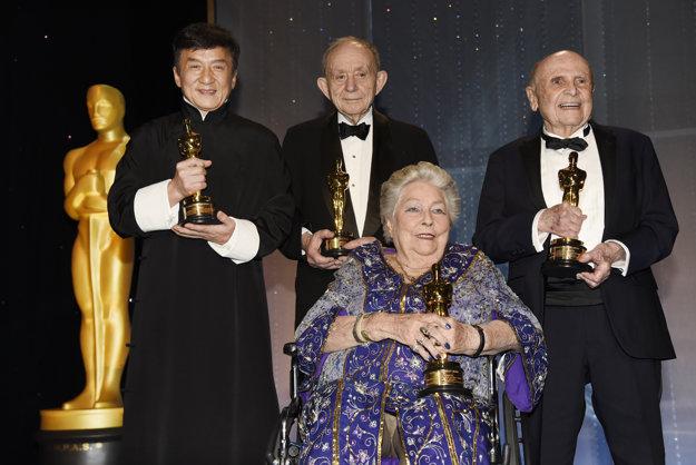 Ocenené osobnosti večera zľava: Jackie Chan, Frederick Wiseman, Anne V. Coates a Lynn Stalmaster