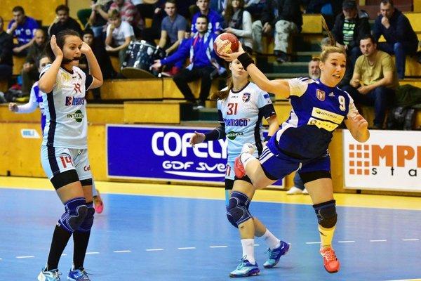 Hádzanárky Šale zdolali Prešov rozdielom 5 gólov. Zakončuje Barbora Königová.