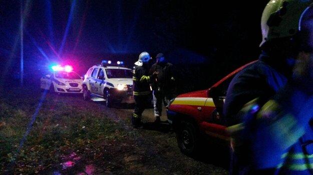 Zasahovali nielen hasiči, ale aj záchranári a polícia.
