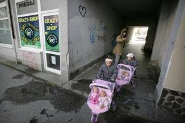 Predajňa v Pentagone, ktorý je v Bratislave známy ako centrum drogových dílerov a závislých ľudí.