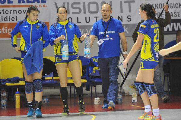 Michalovské hádzanárky sa lúčia s pohárovou Európou.