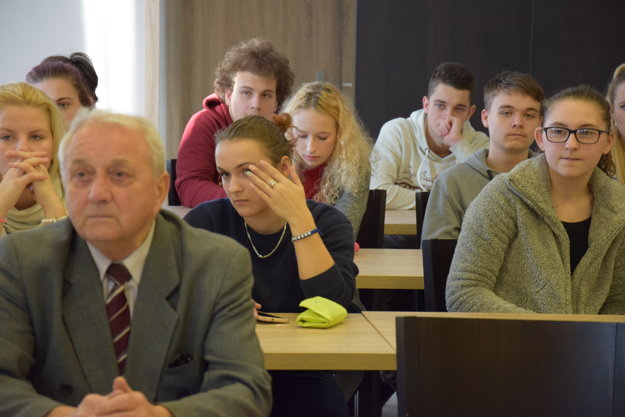 Vyhlásenie výsledkov si vypočuli aj študenti Cirkevnej  strednej odbornej školy sv. Jozafáta a členovia TUK.