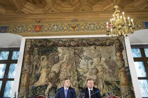 Salius Skvernelis (vpravo) s predsedom strany Ramunasom Karbauskisom.